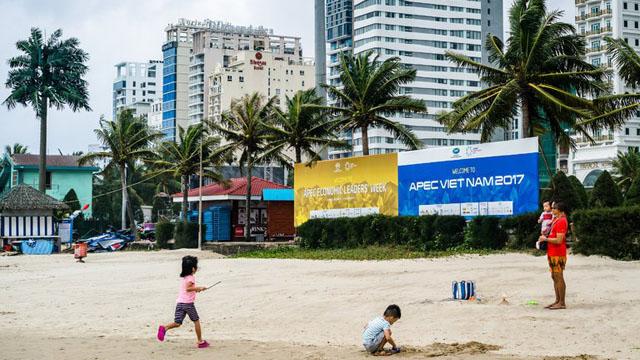 In Vietnam, Trump Makes a Friendlier Landing